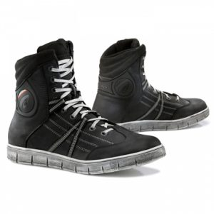 Forma Cooper Boots Black
