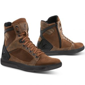 Forma Hyper Casual Motorcycle Boots in Brown